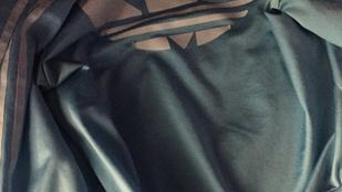 A milyenszínű ruha méltó utódja a milyenszínű dzseki lehet