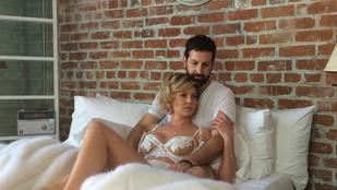 Katherine Heigl csipkés melltartóban és férjjel pózol az ágyban