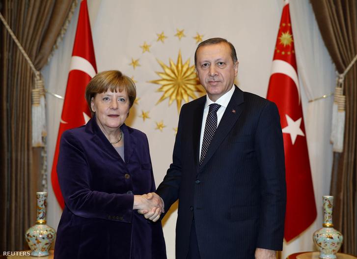 Merkel és Erdoğan találkozóit hatalmas sikerként értékelték Törökországban