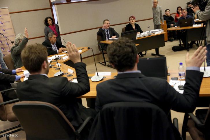 A dunaújvárosi közgyűlés februári szavazása