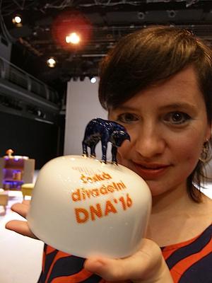 Ladjánszky Márta a DNA-díjjal