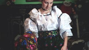 Máramarosban a mai napig van menyasszony, aki így öltözik