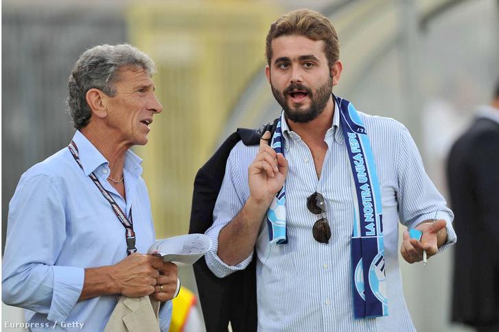 Giuseppe Savoldi és a Nápoly menedzsere, Edward De Laurentiis a Bologna FC vs SSC Napoli barátságos mérkőzésen, 2010-ben.