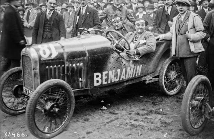Violette az 1923-as Bol 'd oron