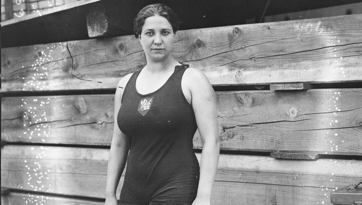 Violette 27 évesen, 1920-ban