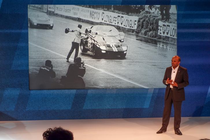 Raj Nair, a Ford műszaki vezérigazgatója és ügyvezető alelnöke, az európai Mustang-projekt motivátora