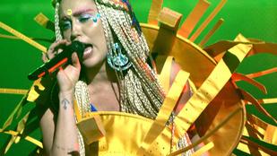 Kapaszkodjanak a bimbótapaszukba: Miley Cyrus jó útra tért