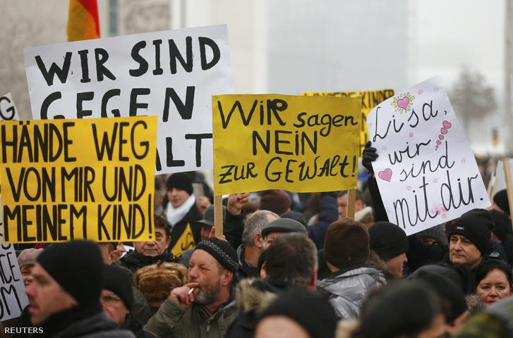 Szimpátiatüntetés Liza mellett Berlinben, 2016. január 23-án.
