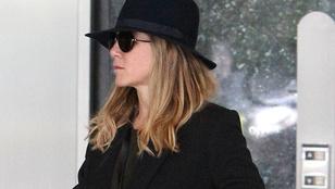 Jennifer Aniston inkognitóban járt bőrkezelésen