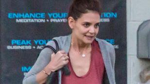 Katie Holmes hideg napon mondott nemet a melltartóra