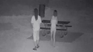 A YouTube-on állt bosszút a szemközti parkban szexelő párokon