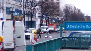 Autóhoz erősített bomba robbant Berlin belvárosában, a vezető meghalt
