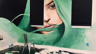 Melyik celeb festette saját magát otthona falára?