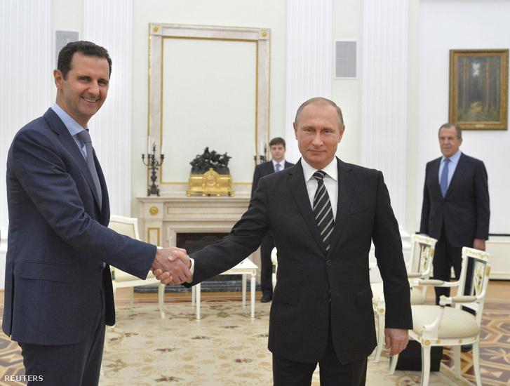 Vlagyimir Putyin ésBassar Aszad szíriai elnök Moszkvában, 2015. október 20-án.
