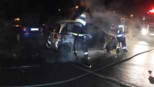 Parkoló autók égtek ki Nyíregyházán