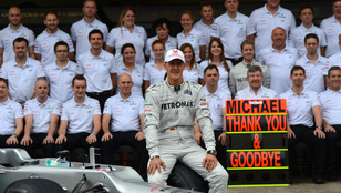 Minimális ápolószemélyzet látja el Schumachert