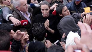 Angelina Jolie Görögországba ment tárgyalni a menekültkérdésről