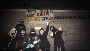 Vízipisztoly és lufibomba helyett igazi fegyverekkel harcoltak a középiskolások Kölnben