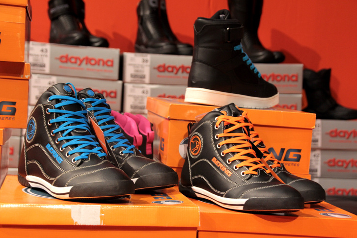 A Beringnek is van motoros sportcipője