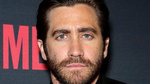 Képzeljük el Jake Gyllenhaalt Zsákos Frodóként