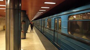Rejtélyes okokból lezárták az Árpád híd metrómegállót