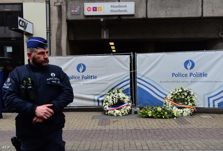 Rendőrségi kordon a Maelbeek metrómegállónál