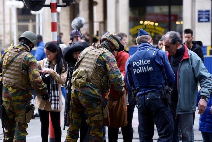 Rendőrségi átvizsgálás a brüsszeli központi pályaudvarnál