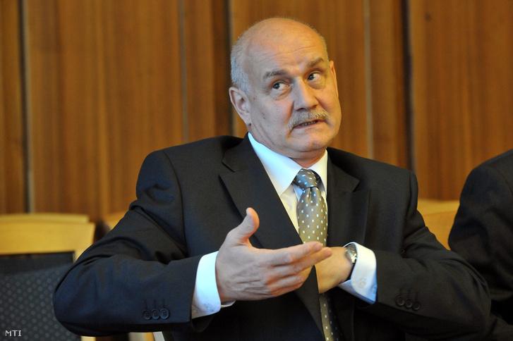 Göbölös László, az Alkotmányvédelmi Hivatal egykori vezetője