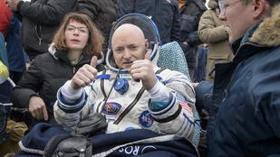 Oroszország egyetlen képben, avagy az űrhajós esete a vasalódeszkával és a virágcsokrokkal