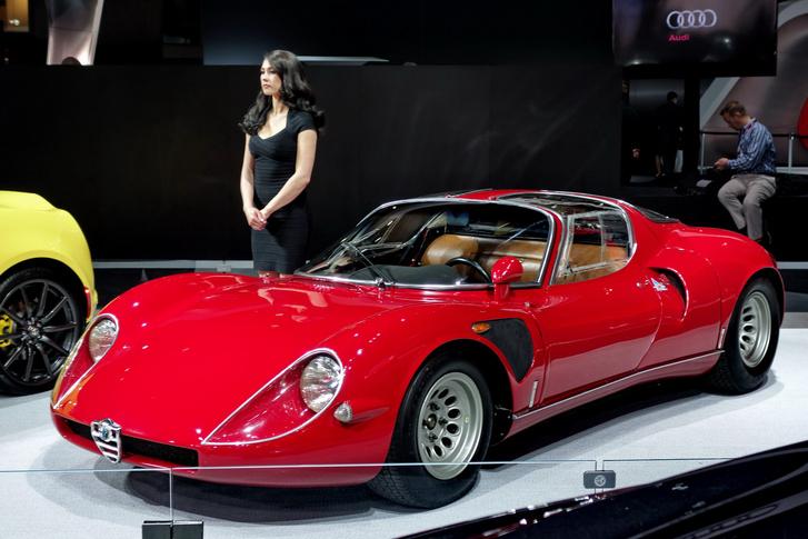 Kedvencem a standról egy eredeti Alfa 33 versenykocsi