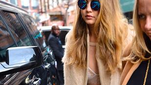 Gigi Hadid csak melltartót vett a kabát alá