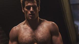 Csukja be a szemét, és képzelje el Supermant meztelenül, egy folyosón