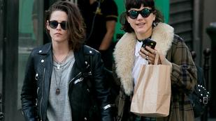 Kristen Stewartban és új csajában Robert Pattinson is közös