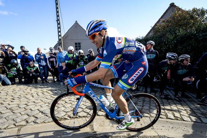 Antoine Demoitie, a Wanty-Groupe Gobert csapat kerékpárosa aE3 Prijs Vlaanderen-Harelbeke kerékpárversenyen, 2016. március 25-én. Demoitie két nappal később halt meg, miután elgázolta egy motoros.