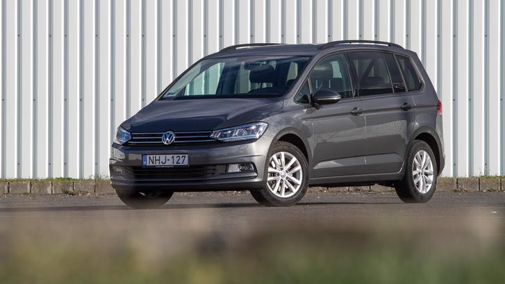 Nehéz lenne bármit is mondani a formájáról azon kívül, hogy Volkswagen