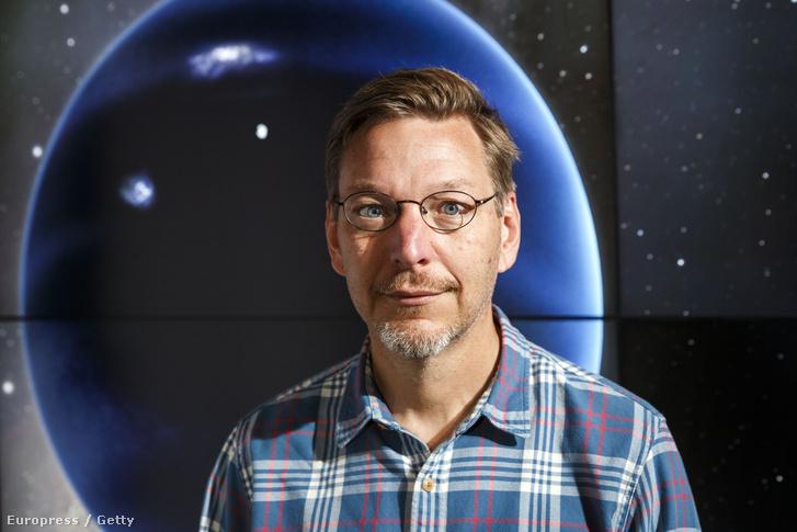 Mike Brown, csillagász.