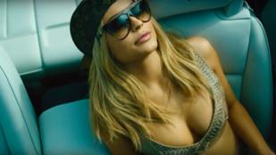 Kylie Jenner szájfényvideójánál kínosabbat még nem látott