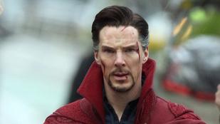 Benedict Cumberbatch nagyon szigorú Dr. Strange köpenyében