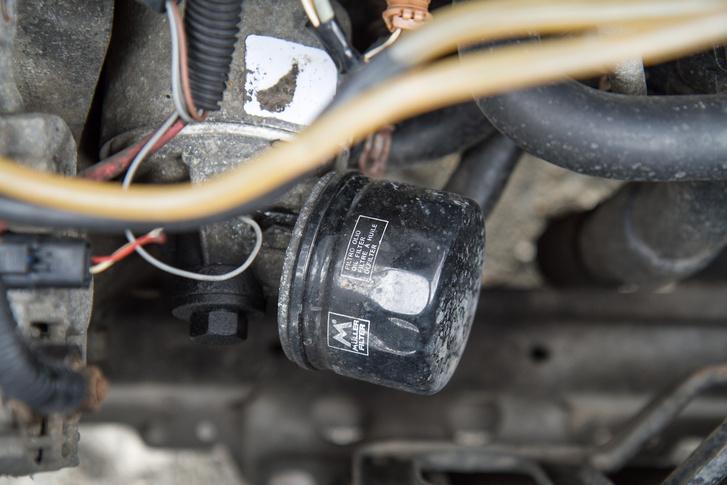 Íme a K9K egyik rákfenéje: a miniatűr olajszűrő