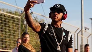Lewis Hamilton farsangot csinált a hétvégi Forma 1 futamból
