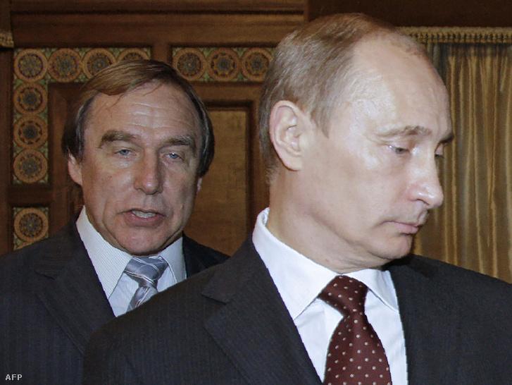 Szergej Roldugin és Vlagyimir Putyin 2009-ben