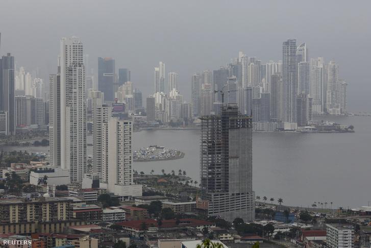 Panamaváros.