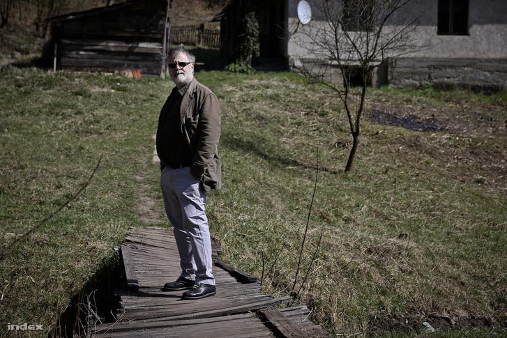 Máté GáborSzúcs-Bányatelepen