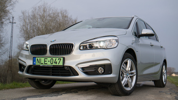 BMW 225xe Active Tourer – 2016.