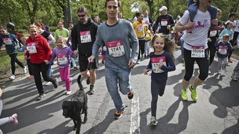 Közel 30 ezren futnak majd a hétvégén Budapesten