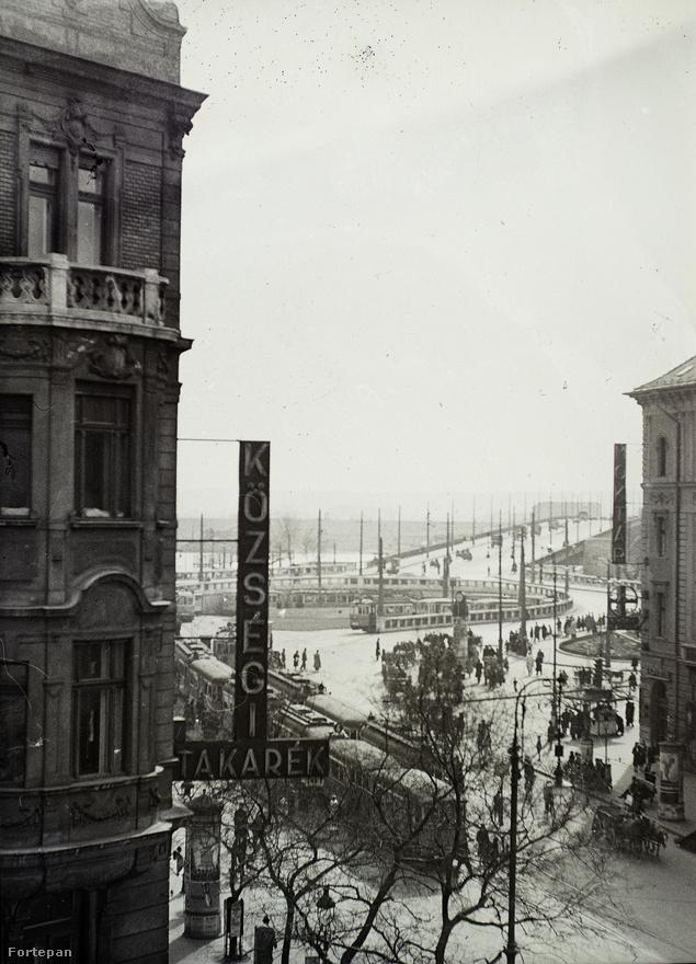 Boráros tér az 1940-es években. A Nagykörút vége, ahol az egykori Malom utca irányában hagyja el a Ferencvárost.