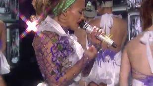 Jennifer Lopez bemutatta új dalát az American Idol fináléjában