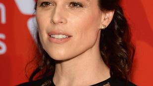 A 42 éves Neve Campbell tuti nem botoxoltat