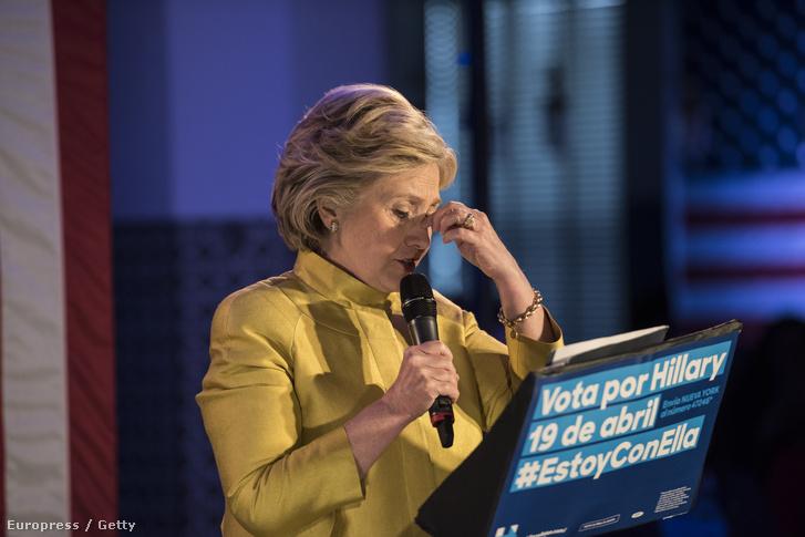 Hillary Clinton beszéde közben a New York-i kampánya egyik hétvégi előadásán.