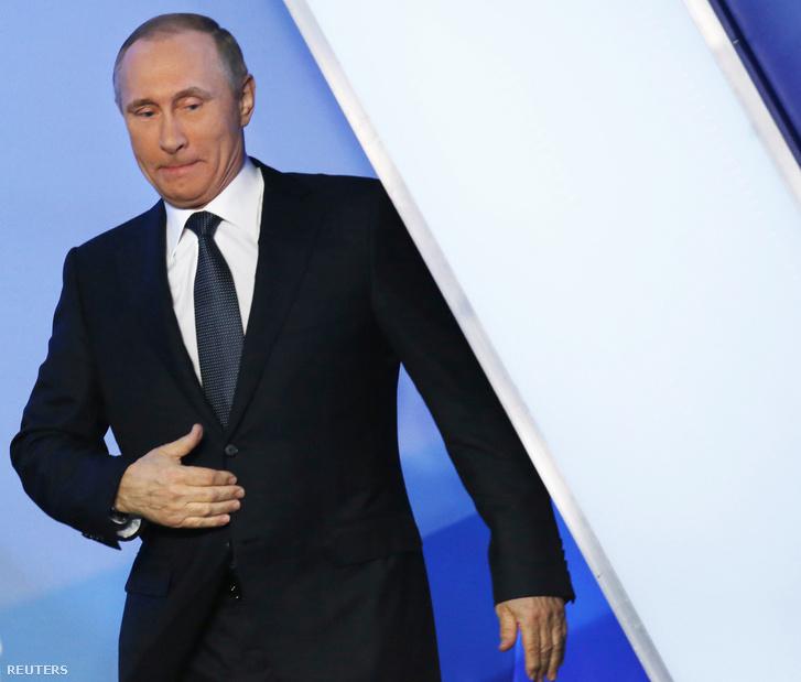 Putyin érkezik egy a panama papírok megjelenése után szervezett beszélgetős fórumra Szentpéterváron.